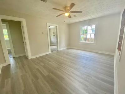 912 W 5TH ST, Hattiesburg, MS 39401 - Photo 2