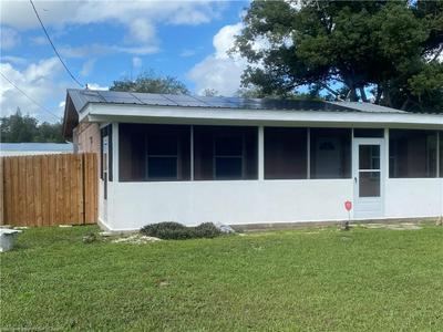 1561 N OAK PARK AVE, Avon Park, FL 33825 - Photo 1