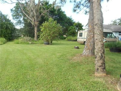 121 DAISY LN, Lake Placid, FL 33852 - Photo 2