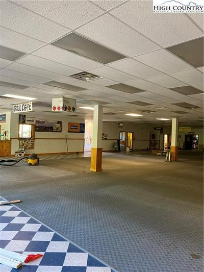 1329 US HWY 421 S, Boone, NC 28607 - Photo 2