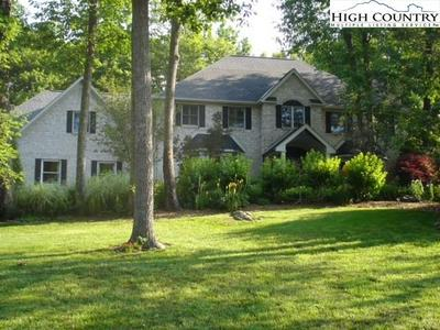 450 COUNTRY CLUB LN, Blowing Rock, NC 28605 - Photo 2