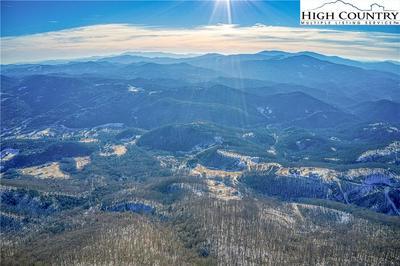 122 OZ CIR, Beech Mountain, NC 28604 - Photo 2