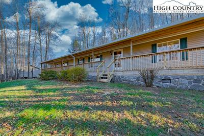 360 MISTY MOUNTAIN RD, Boone, NC 28607 - Photo 2