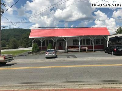 205 CRANBERRY ST, Newland, NC 28657 - Photo 2