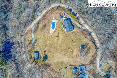 185 PRESNELL RD, Banner Elk, NC 28604 - Photo 2