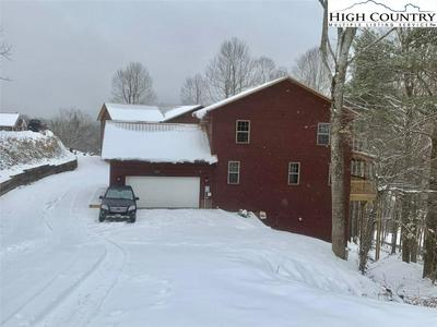 1425 SNAGGY MOUNTAIN BLVD, Boone, NC 28607 - Photo 2
