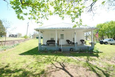 81 OLD SCHOOL ST, Yellville, AR 72687 - Photo 1