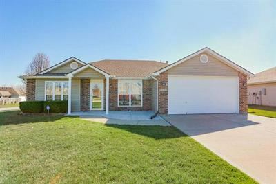 1011 COUNTRY LN, Raymore, MO 64083 - Photo 2