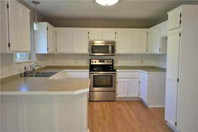 408 BROOKSIDE CIR, Kearney, MO 64060 - Photo 2