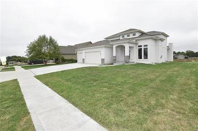 1401 NE 183RD ST, Smithville, MO 64089 - Photo 2