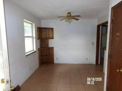 2007 MCKINLEY ST, Lexington, MO 64067 - Photo 2