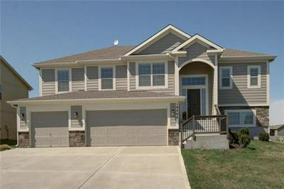18406 ROCK CREEK DR, Smithville, MO 64089 - Photo 2