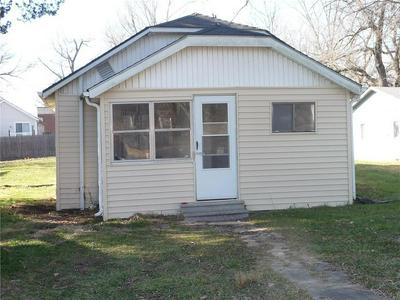 102 N MAIN ST, Archie, MO 64725 - Photo 2