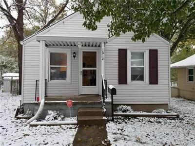 1612 W COLLEGE ST, Independence, MO 64050 - Photo 1