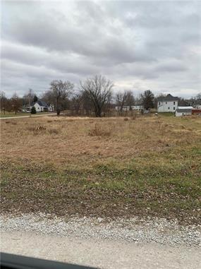 909 MAIN ST, Cainsville, MO 64632 - Photo 2