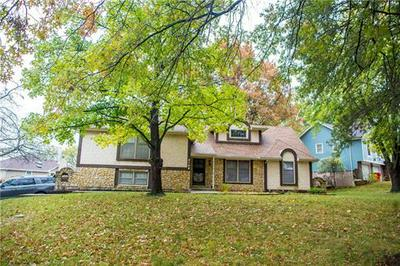 2105 N LAZY BRANCH RD, Independence, MO 64058 - Photo 2