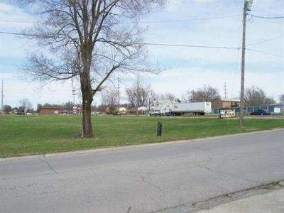 1104 N JESSE JAMES RD, Excelsior Springs, MO 64024 - Photo 1