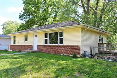 103 RIDGEWAY DR, Excelsior Springs, MO 64024 - Photo 2