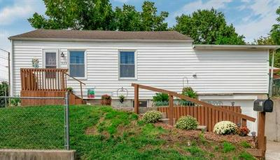 223 W SPARKS AVE, Warrensburg, MO 64093 - Photo 2