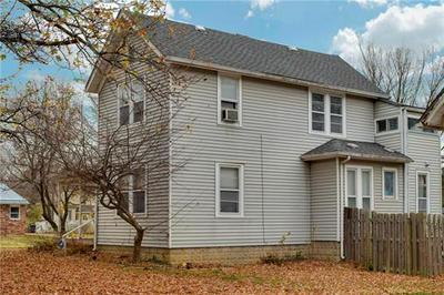 501 BROAD ST, Warrensburg, MO 64093 - Photo 2