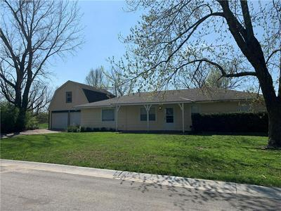 304 20TH AVE N, Greenwood, MO 64034 - Photo 1