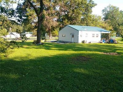 307 S 5TH ST, Deepwater, MO 64740 - Photo 1