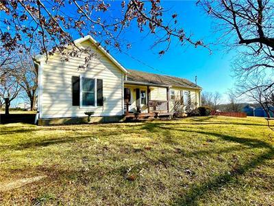 407 N MULBERRY ST, Louisburg, KS 66053 - Photo 1