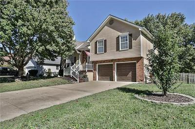 615 S PARK DR, Raymore, MO 64083 - Photo 2