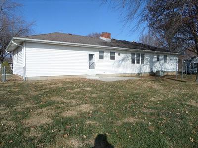 1401 HIGH DR, Lexington, MO 64067 - Photo 2