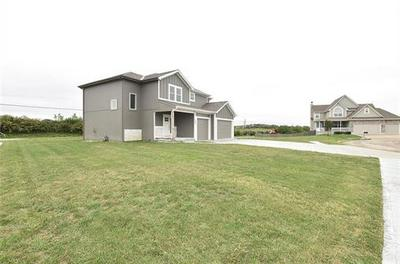 1401 LEE CIR, Smithville, MO 64089 - Photo 2