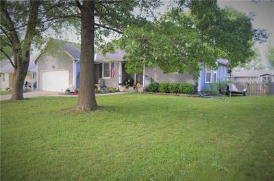1305 N SYCAMORE ST, Louisburg, KS 66053 - Photo 2