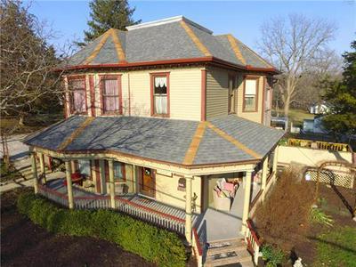 908 WASHINGTON ST, Weston, MO 64098 - Photo 1