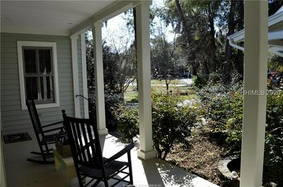 14 WRIGHTS POINT CIR, Beaufort, SC 29902 - Photo 2