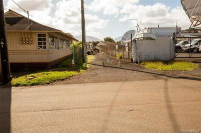 305 KOA ST # B, Wahiawa, HI 96786 - Photo 2