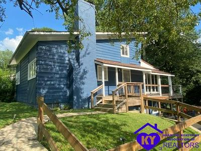 2821 CANNONS POINT LN, MCDANIELS, KY 40152 - Photo 1