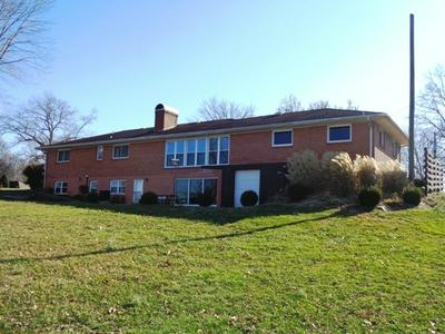 409 LAKEVIEW DR, CAMPBELLSVILLE, KY 42718 - Photo 2