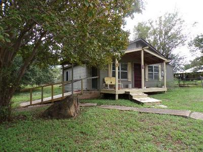 604 E COLLEGE ST, Llano, TX 78643 - Photo 1