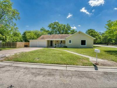 501 N MAIN ST, Burnet, TX 78611 - Photo 1