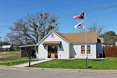 103 W OLLIE ST, LLANO, TX 78643 - Photo 2