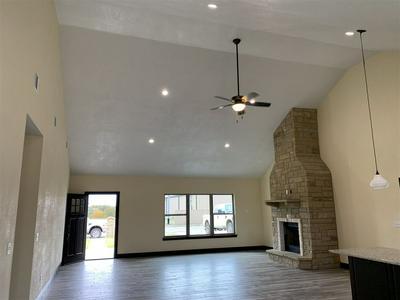 812 S CLEAR ST, SAN SABA, TX 76877 - Photo 2