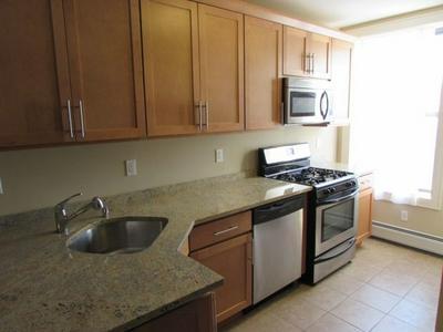 422 BLOOMFIELD ST APT 4L, Hoboken, NJ 07030 - Photo 1