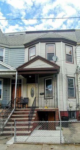 30 BARTHOLDI AVE, JC, Greenville, NJ 07305 - Photo 1
