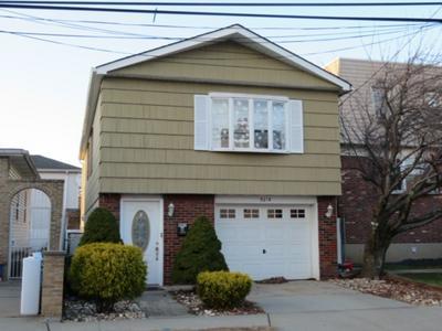 841A 8TH ST, SECAUCUS, NJ 07094 - Photo 1