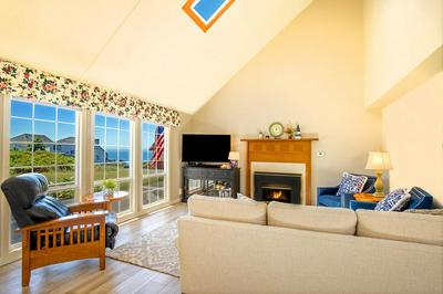 152 SEA VIEW RD, Shelter Cove, CA 95589 - Photo 2