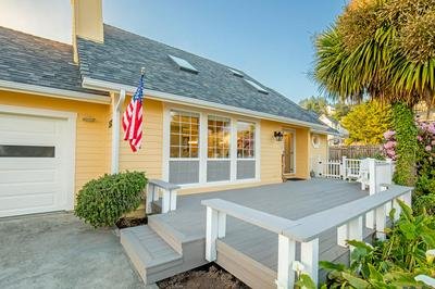 152 SEA VIEW RD, Shelter Cove, CA 95589 - Photo 1