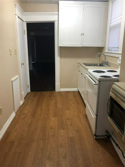 308 5TH AVE W APT 2, Huntington, WV 25701 - Photo 2