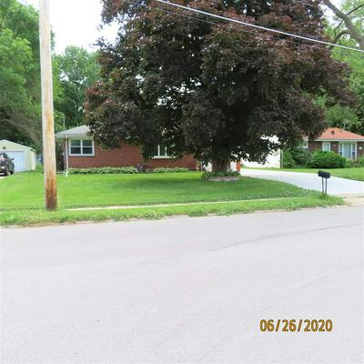 513 10TH AVE, Coralville, IA 52241 - Photo 2