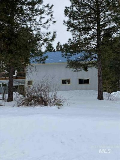 157 PINE VALLEY DR, CASCADE, ID 83611 - Photo 2