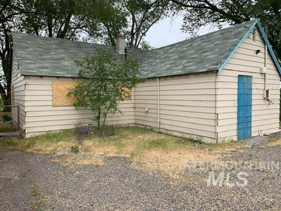 1430 SE 5TH AVE, Ontario, OR 97914 - Photo 2