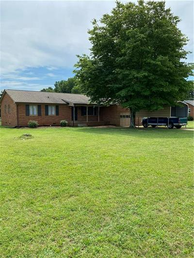 1824 EDGEWOOD LN, Graham, NC 27253 - Photo 1